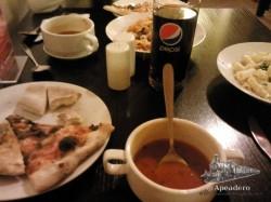 Las raciones son abundantes y está todo muy bueno, además de estar situado en un local muy bonito y tener unas camareras simpatiquísimas. ¡Un restaurante BBB total!