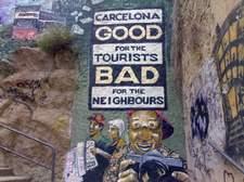 Pintada cercana a una de las entradas del Park Güell