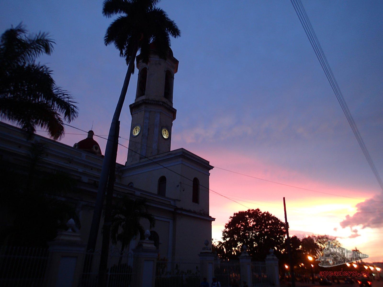 Los atardeceres en Cuba son muy bonitos y tienen una luz especial para tomar fotos (cuando sabes, no como yo!)