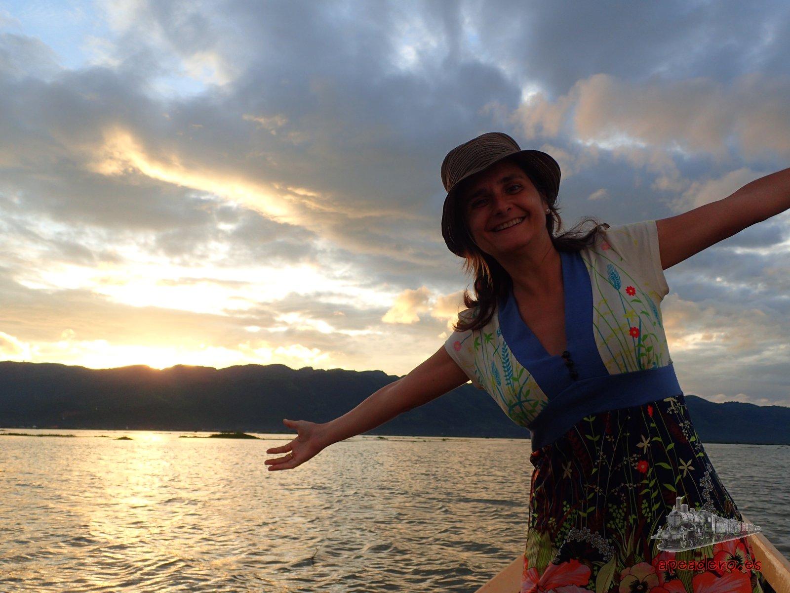 Atardecer en el lago Inle