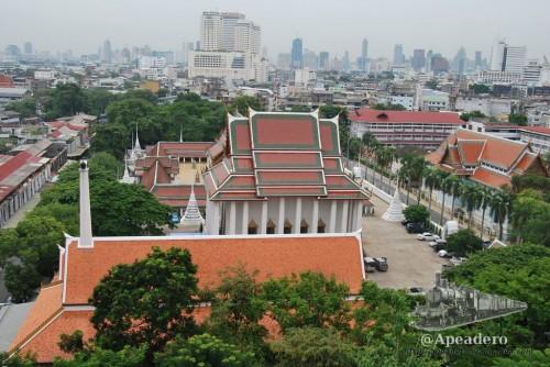 Desde la montaña dorada podrás tener una perspectiva de toda la ciudad de Bangkok.