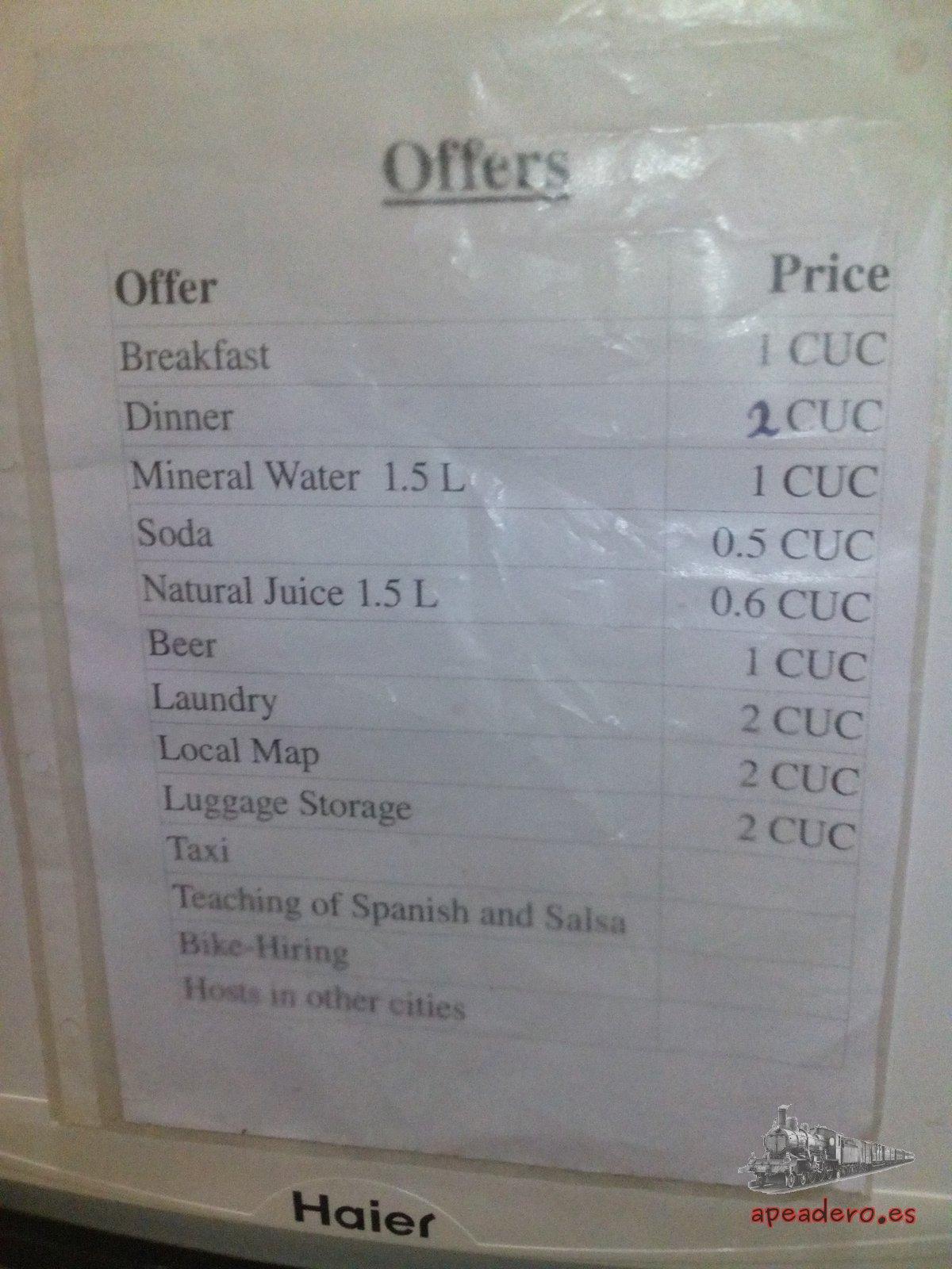 El cartel que nos alertó de la posibilidad de obtener información sobre alojamientos baratos en Cuba.