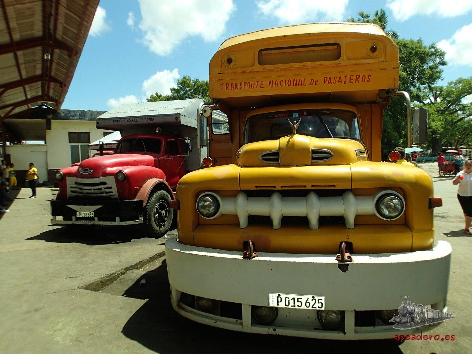 Los camiones son el medio de transporte más  económico en Cuba.