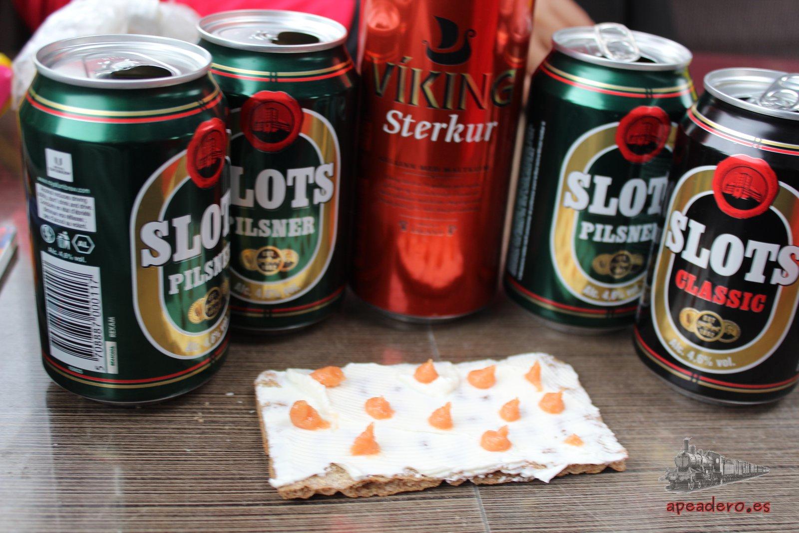 La cerveza islandesa corría desde mediodía, eso sí, junto a los crackers con queso untado ;)