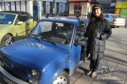 Todavía es fácil ver en Cracovia coches clásicos en pleno uso
