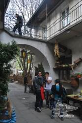 Las callejuelas del barrio judio están llenas de lugares dónde comer, tomar algo y hacer compras.