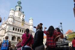 A las 12 todo el mundo preparado con sus cámaras en la plaza del Rynek