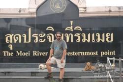 Dicen que este es el punto más al oeste del río, pegados estábamos a la frontera con Myanmar.