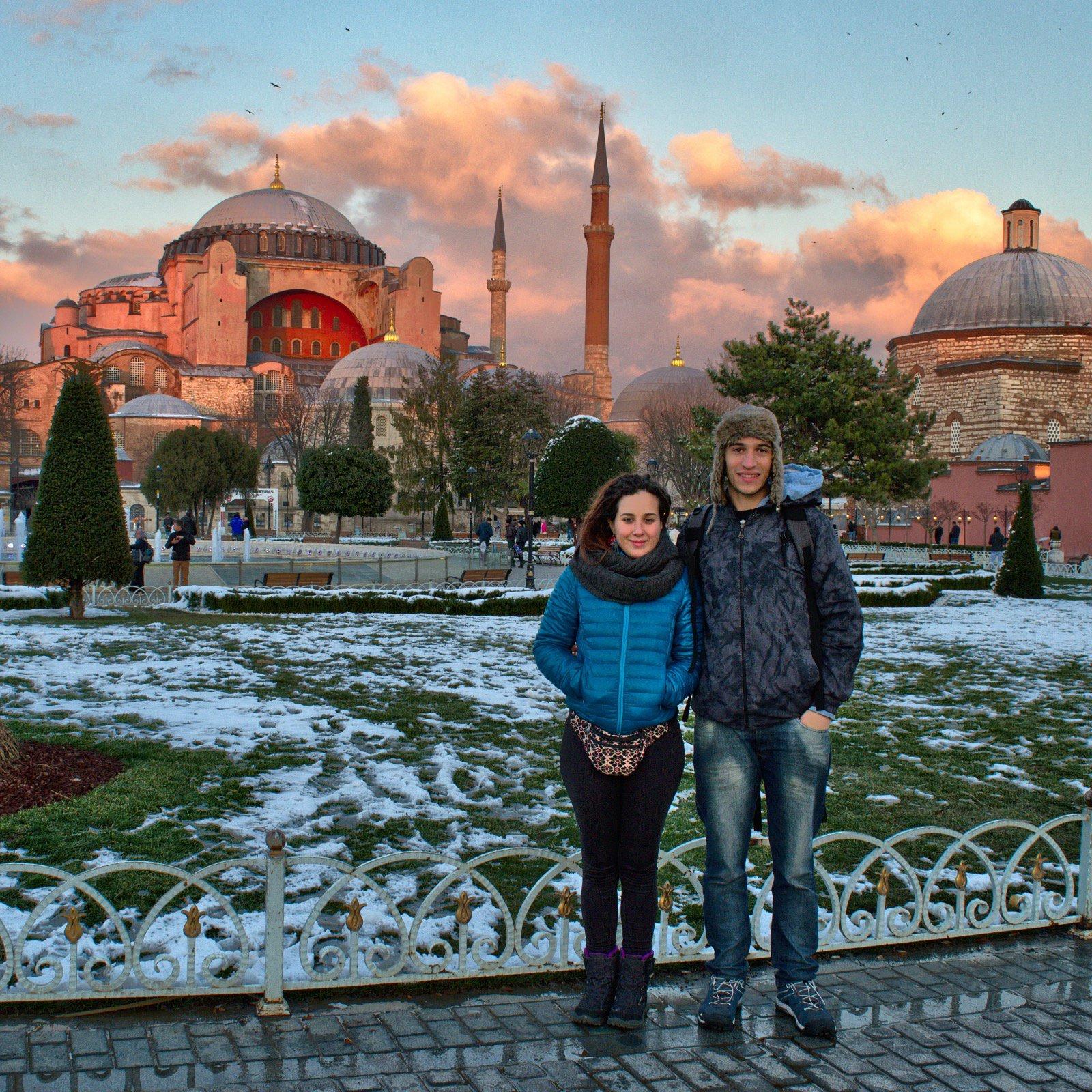 La pareja nómada en Estambul