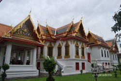 En los templos, salvo que se indique lo contrario, puedes pasear por cualquier parte, sin problemas, incluso puedes estar junto a los monjes en sus quehaceres diarios.