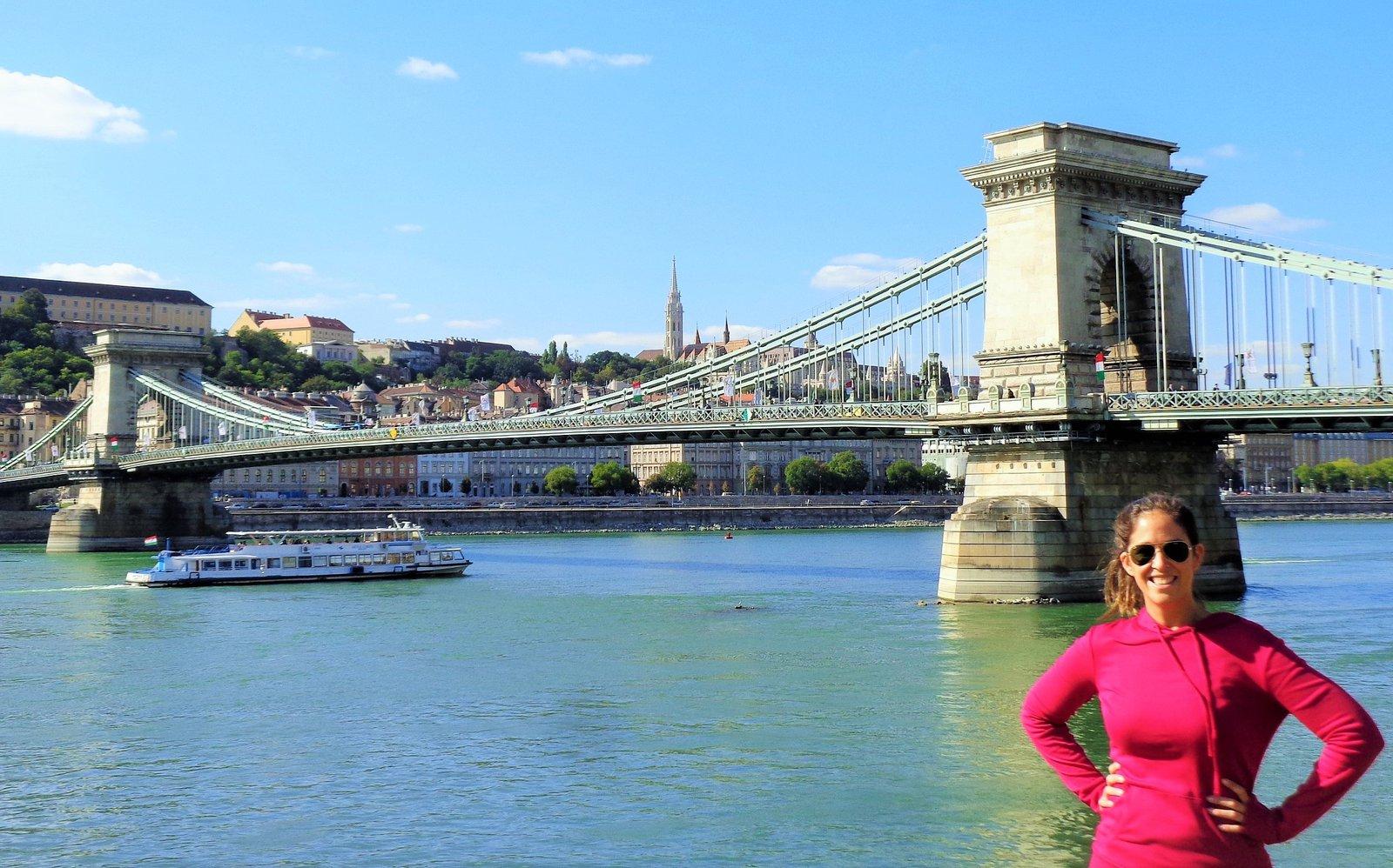 Flor Zaccagnino Budapest - Puente de las Cadenas