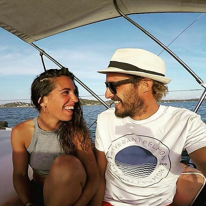 La vuelta al mundo en velero de dos mileuristas – Entrevista viajera
