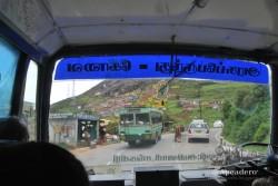 Al final llegamos a Ooty en autobús, en un no menos espectacular paseo.