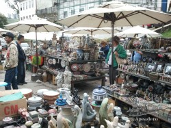 Hay un mercado artesanal dónde los precios no son excesivamente altos, lo cual contrasta con el resto de la ciudad...