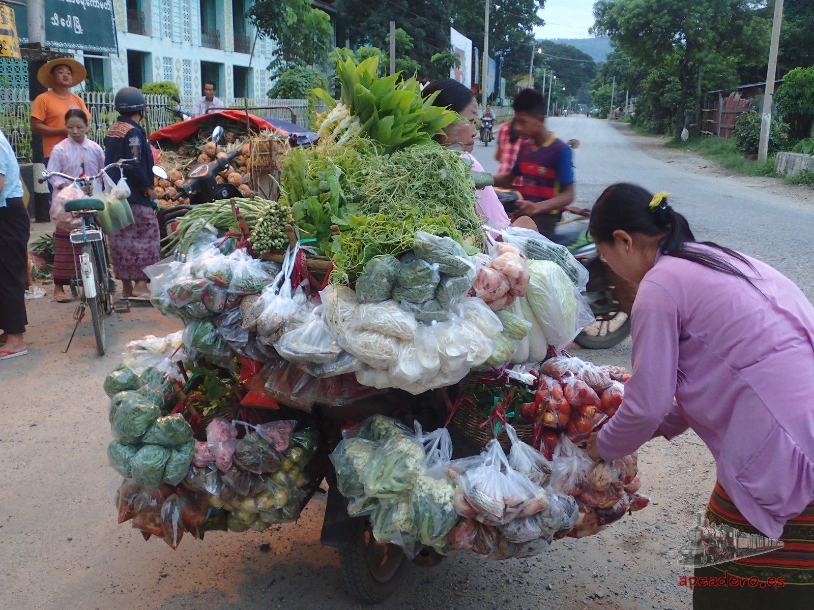 Mercado de la mañana en Hsipaw