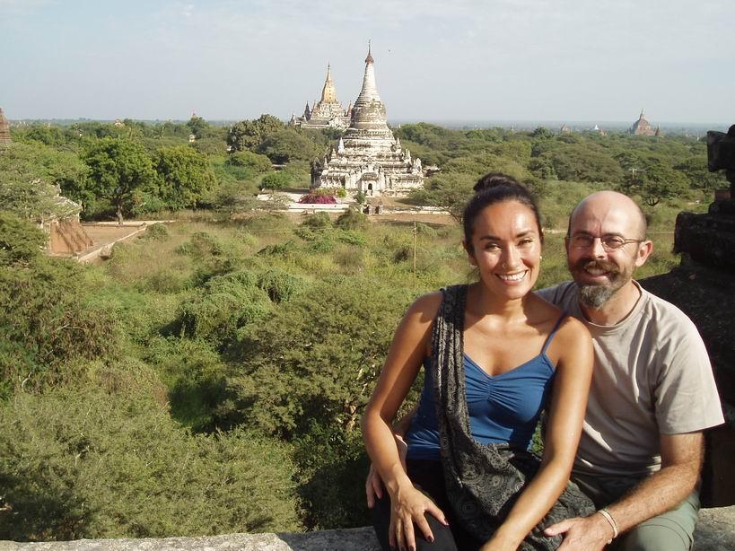 Una vuelta al mundo sin aviones y otra en pareja – Entrevista viajera