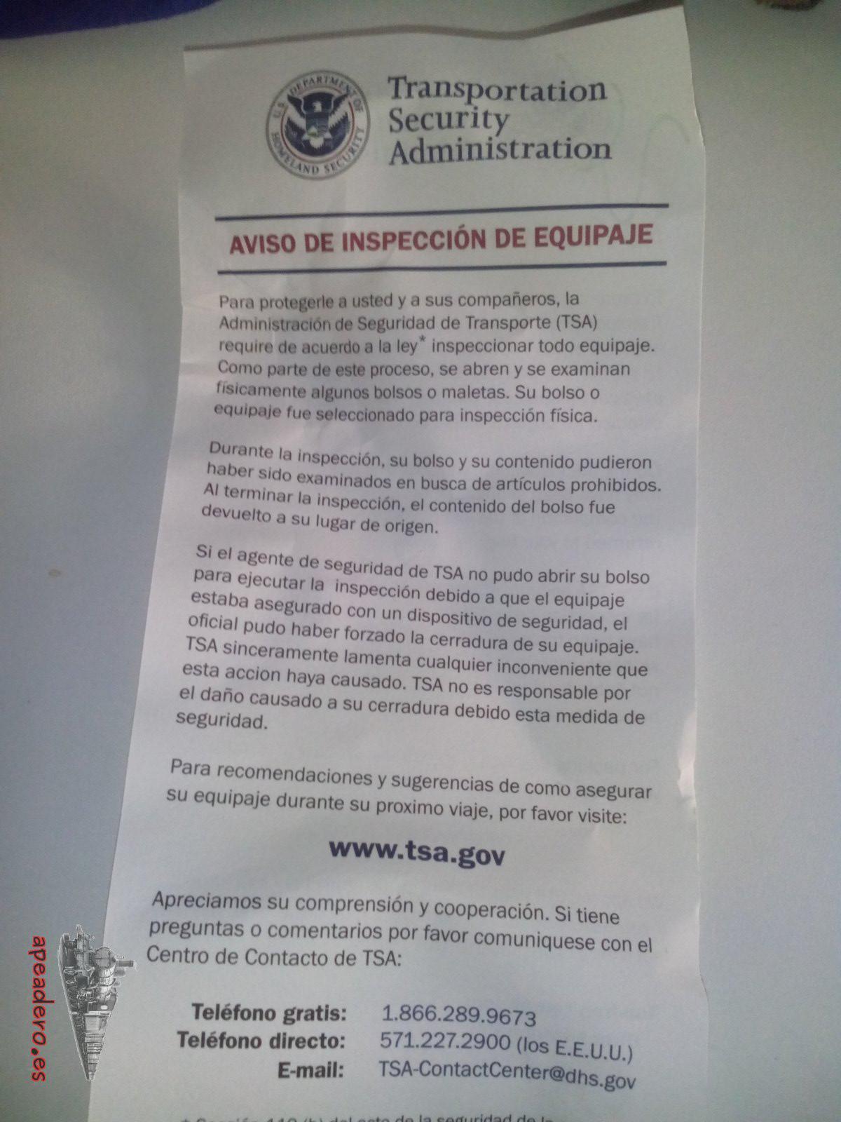 Arrugada y en el fondo de la mochila venía esto. Es un detalle al menos que pongan una versión en español.