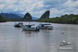 Los paisajes de Krabi son muy peculiares, ya que es un lugar dónde se une el mar y la montaña... ¡y qué montaña!