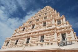 El palacio no es que sea prescindible, pero si no fuera por el Big Temple no tendría demasiado sentido acercarse hasta la ciudad.