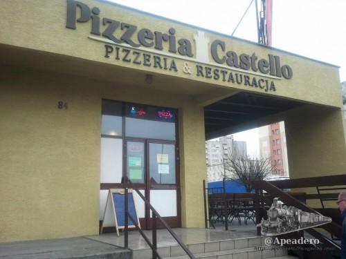 Esta es la pizzeria, tendréis que acercaros para ver la pizarra con el menú del día.
