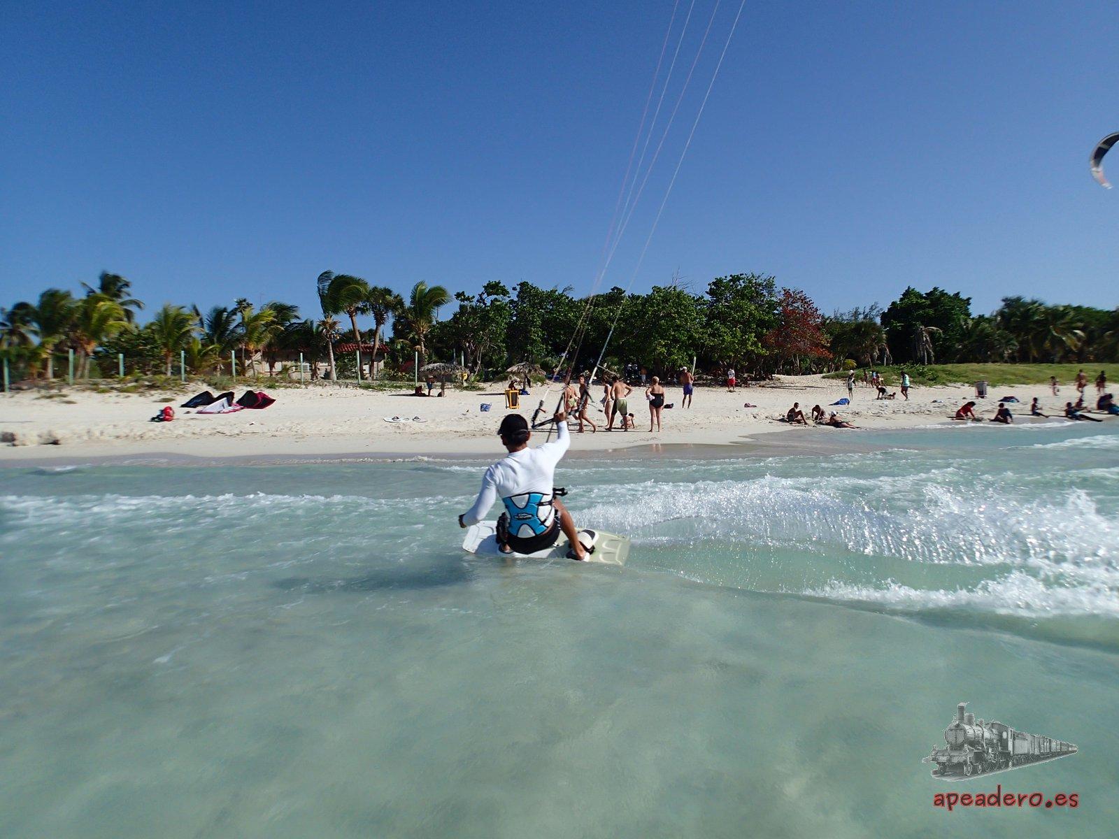 Te enamorarás de Cuba por sus playas, de arenas blancas y finas, aguas transparentes y con posibilidades infinitas.