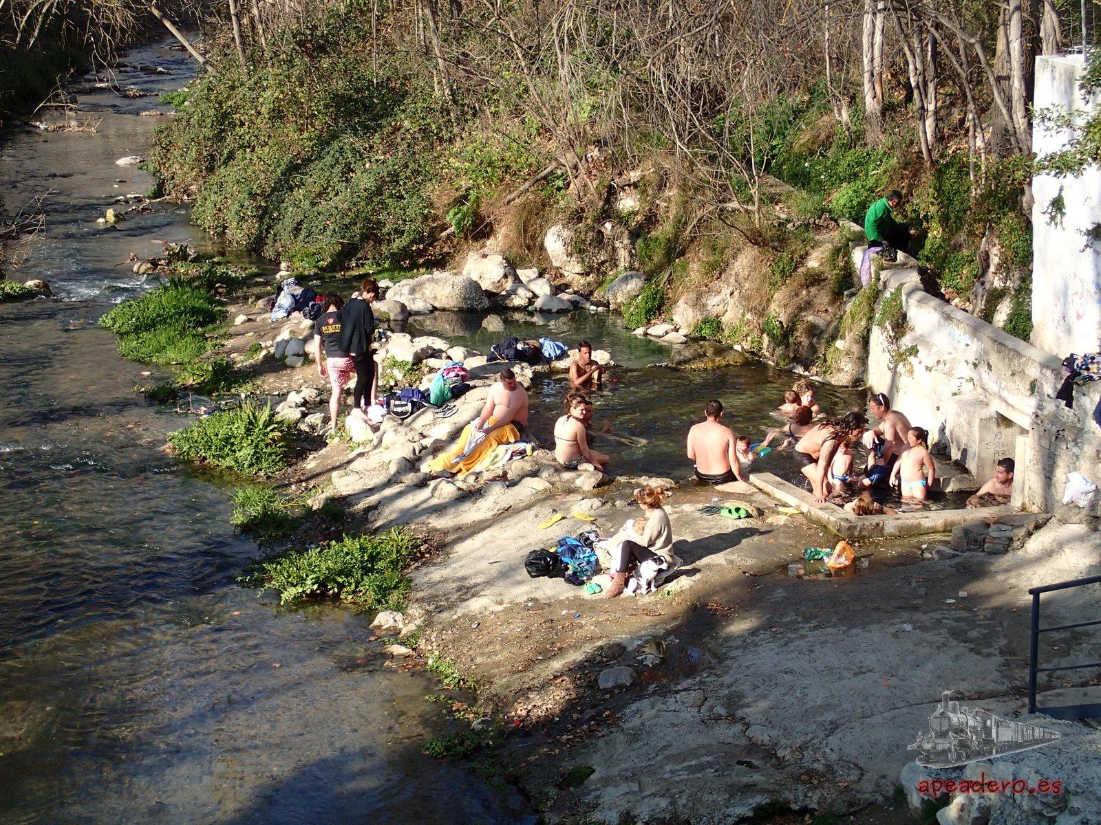 Poza de agua termal gratis en Alhama de Granada