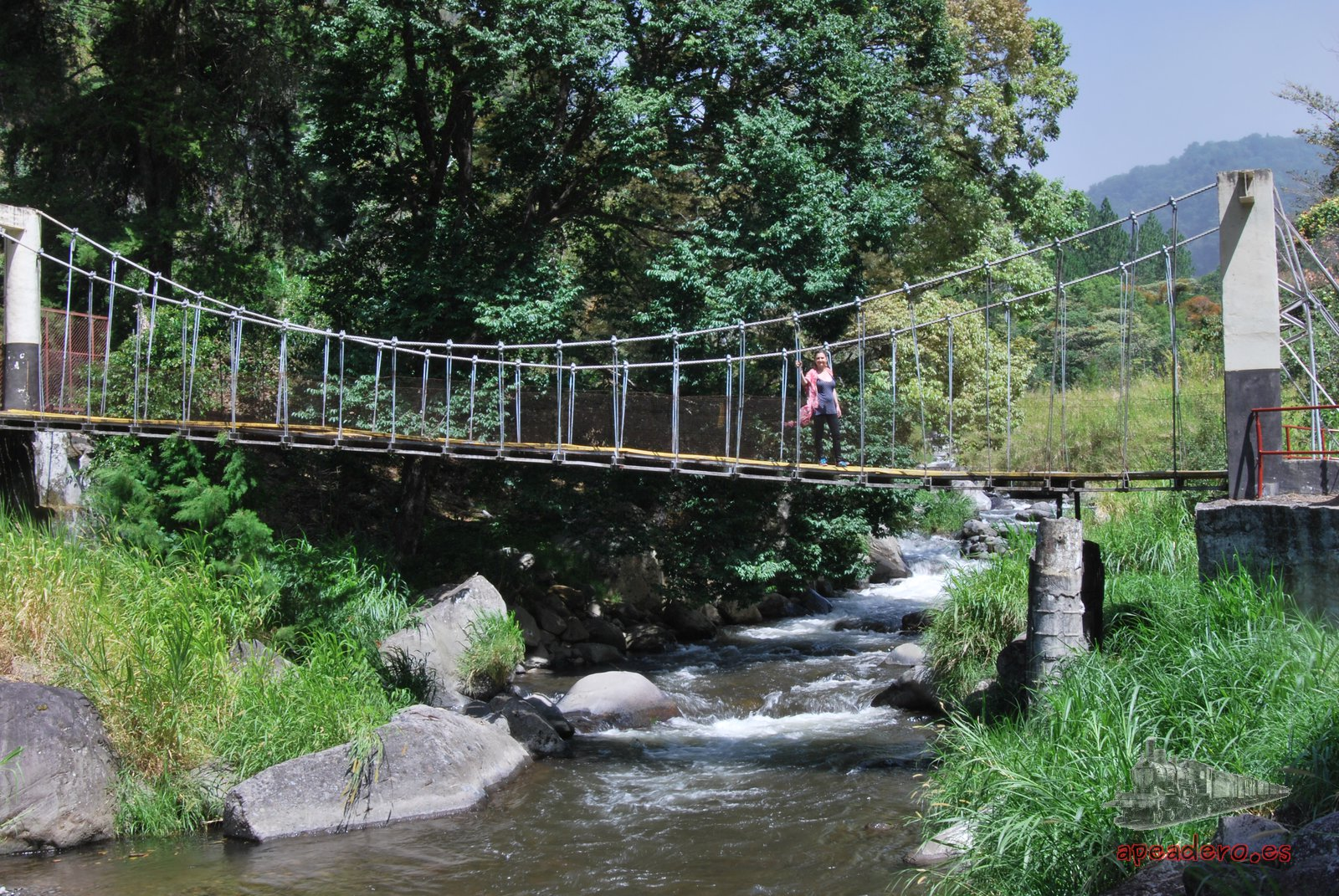 Los caminos y rutas en Boquete son de extraordinaria belleza. Este es un puente de la carretera.