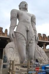 Lo más espectacular de Shravanabelagola es pensar que está construido con una única roca.