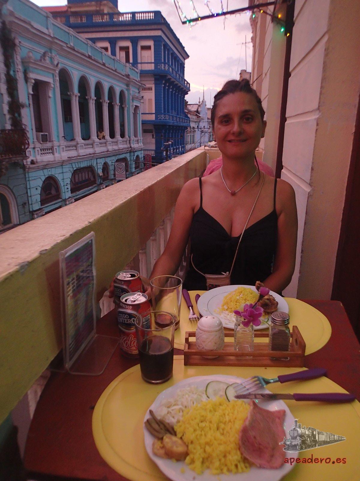 Cenando en Santiago de Cuba por libre