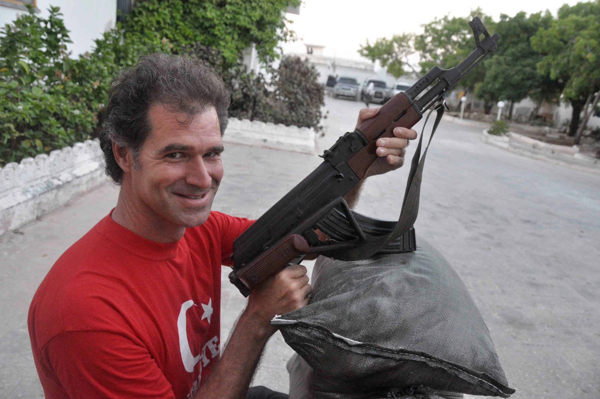 Mike Spencer Bown, una leyenda en zona de guerra – Entrevista viajera