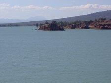 El lago artificial es enorme