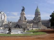 La arquitectura de la ciudad es sorprendente. Esto es el Congreso de la Nación.
